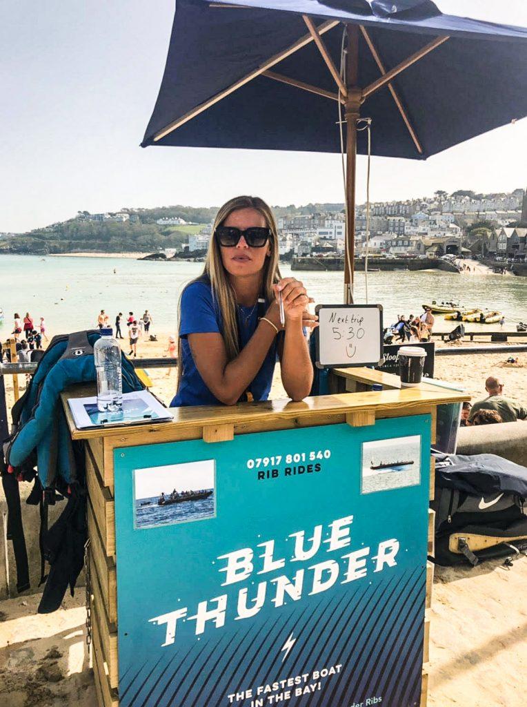 Blue thunder ribs boat trips desk